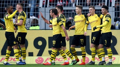 Bundesliga, il Dortmund cala il poker e resta in scia al Bayern