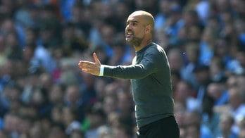 Manchester City, Guardiola: «Quattro vittorie per il titolo. Mahrez? Resta qui»