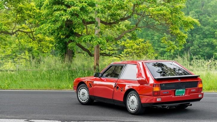 Lancia Delta S4 Stradale venduta per un milione