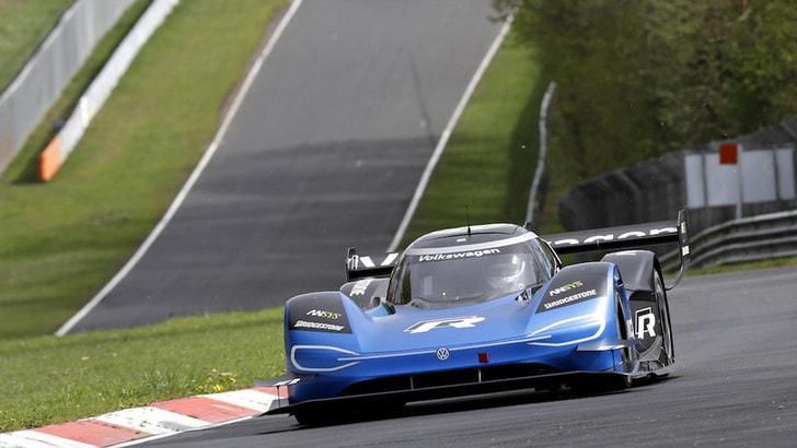 Iniziano i test sul circuito del Nurburgring per Volkswagen ID R