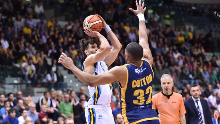 Basket, Serie A: Torino fermata da Cremona, Milano affonda Avellino