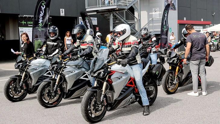 Electric Academy di Energica, il corso di guida per moto elettriche