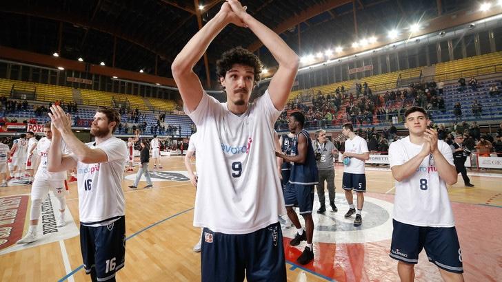 Basket, play-off A2: Mantova di forza a Bergamo. Bene Treviso e Casale