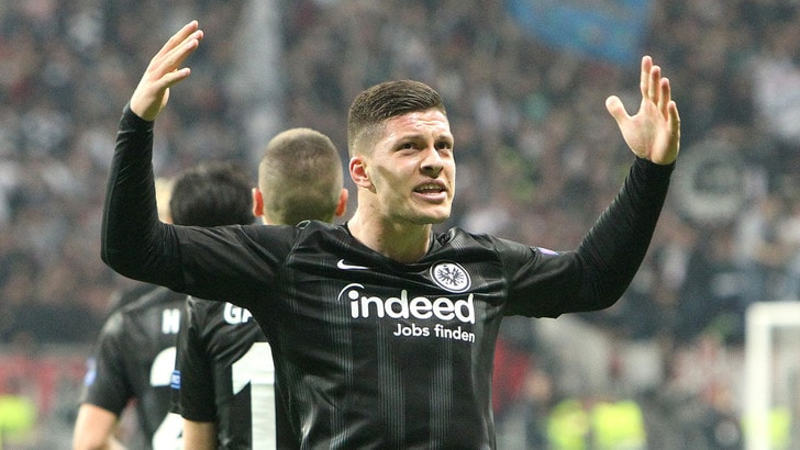 Jovic firma con il Real Madrid: contratto fino al 2025