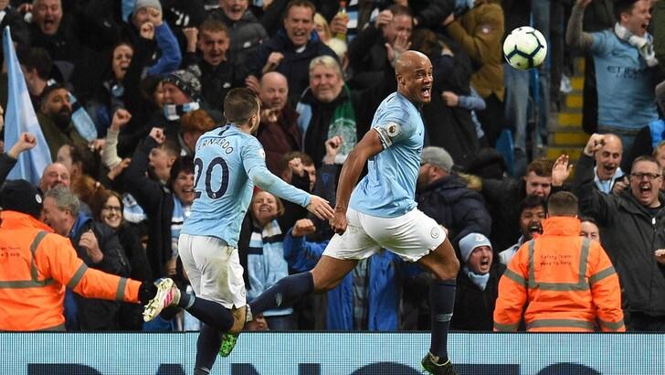Premier League: il City vince soffrendo contro il Leicester e torna primo