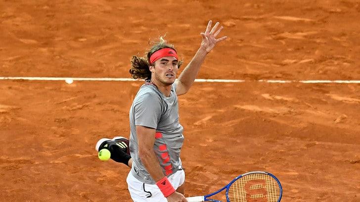 Tennis, sarà Tsitsipas-Djokovic la finale di Madrid