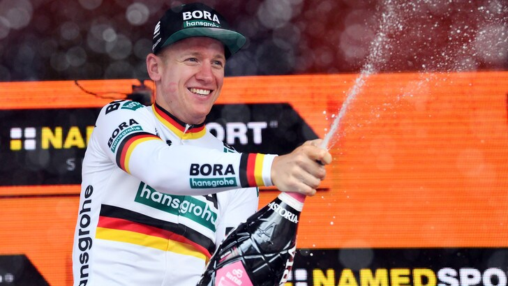 Giro d'Italia: Ackermann beffa Viviani ed Ewan sul traguardo di Fucecchio