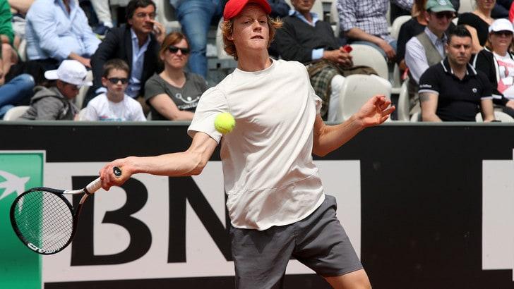 Tennis, Internazionali: Sinner da impresa contro Tsitsipas