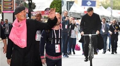 Giro d'Italia, incursione di Don Matteo: è lui a tagliare il traguardo