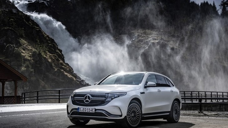 Nuova Mercedes EQC: il primo suv elettrico VIDEO