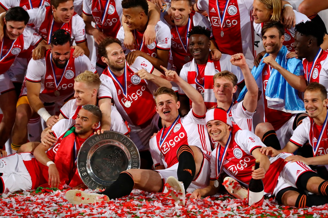 De Ligt campione d'Olanda: ultima festa con l'Ajax?