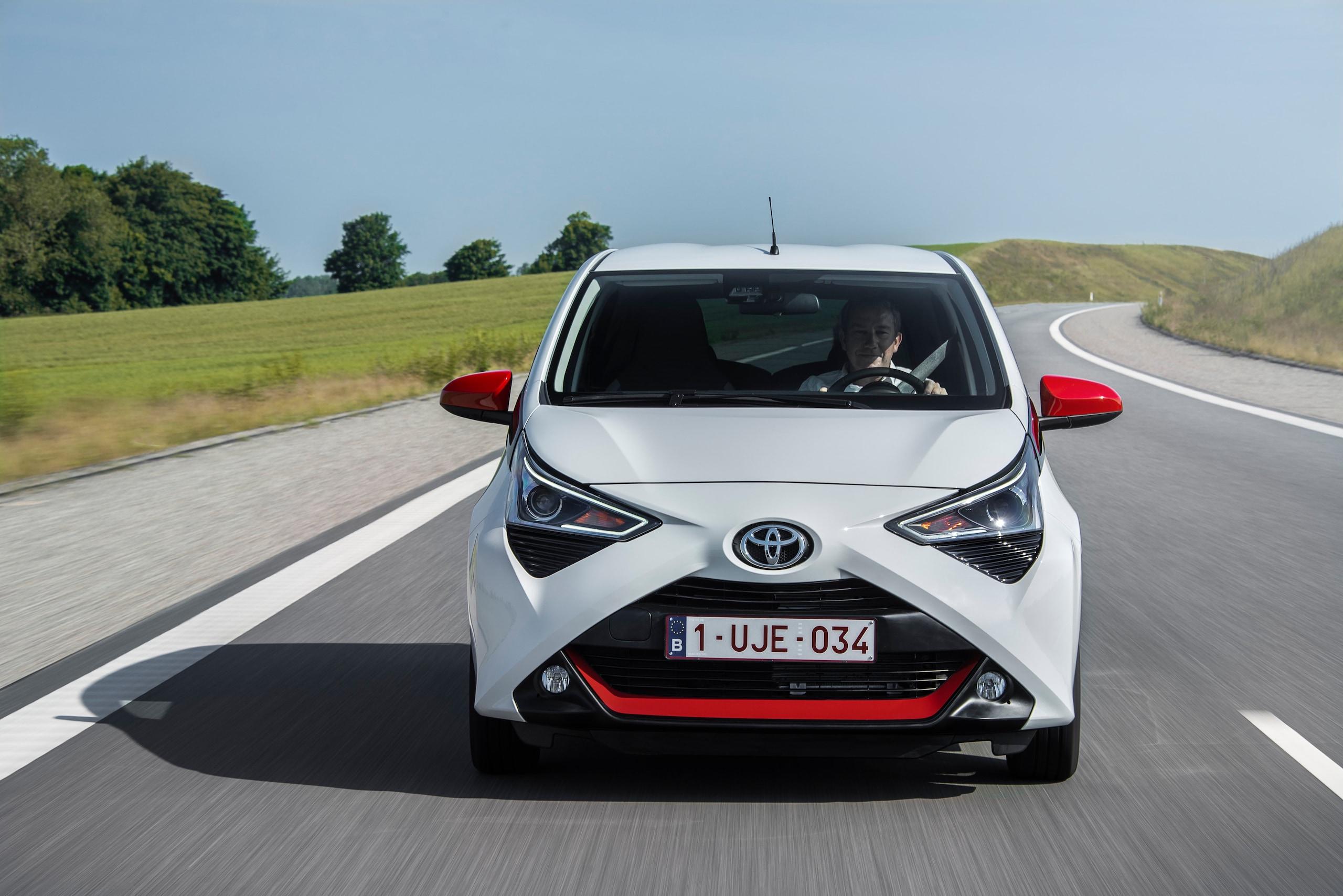 Aygo diventa la prima Toyota connessa a 360°
