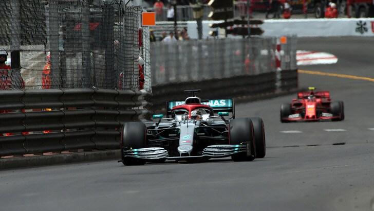Gp Monaco, la pole è di Hamilton. Vettel partirà quarto, Leclerc è 16°