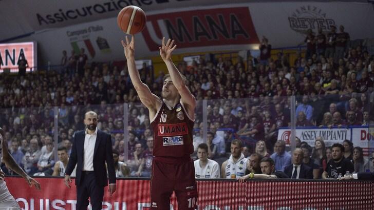 Venezia vola in semifinale playoff di Serie A