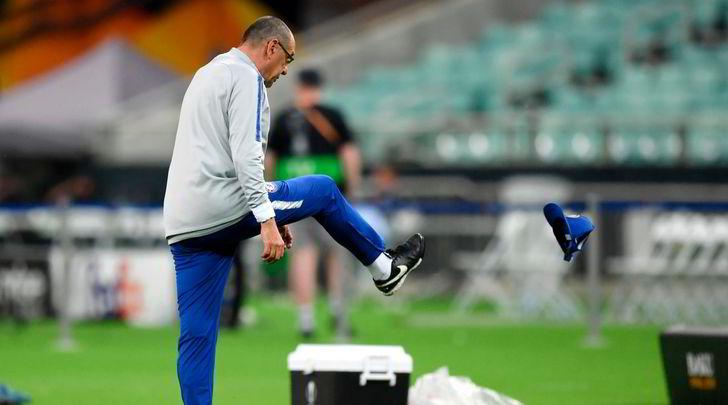 Sarri si infuria con Higuain e David Luiz e lascia furioso la rifinitura