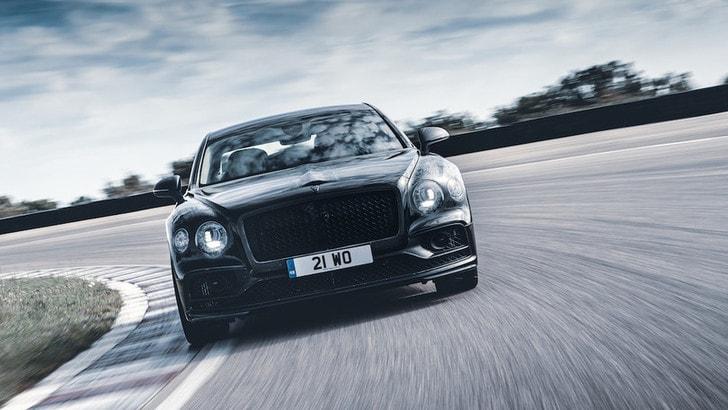 Nuova Bentley Flying Spur: la presentazione l'11 giugno