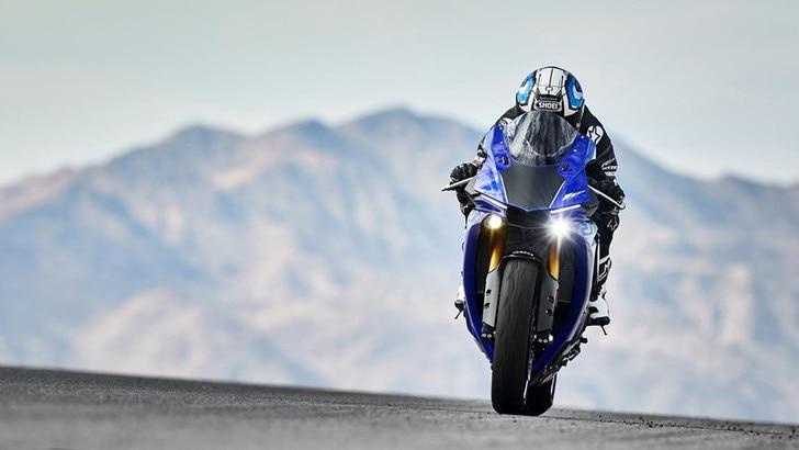 Nuova Yamaha R1 2020, possibili modifiche al motore