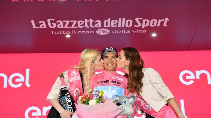 Giro: Chaves vince a San Martino, Carapaz ancora in rosa