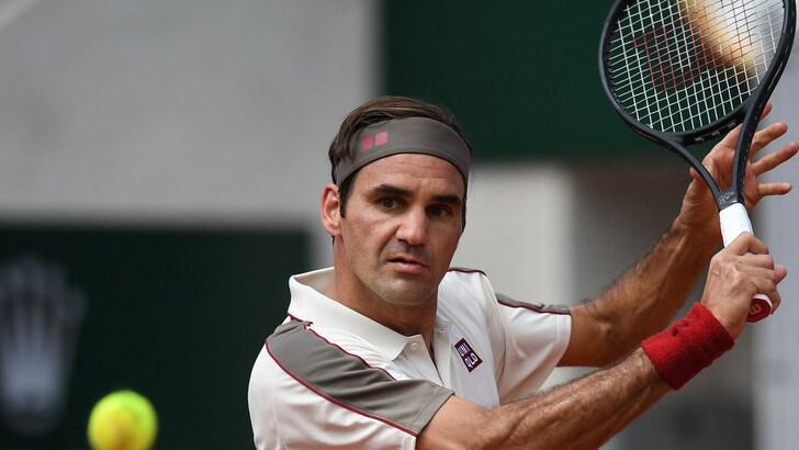 Federer supera Ruud e centra gli ottavi al Roland Garros