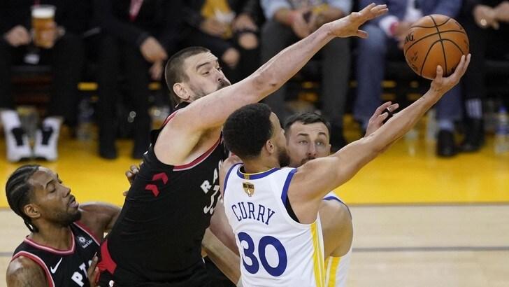 NBA Finals, Toronto vince gara-3 con Golden State e porta la serie sul 2-1