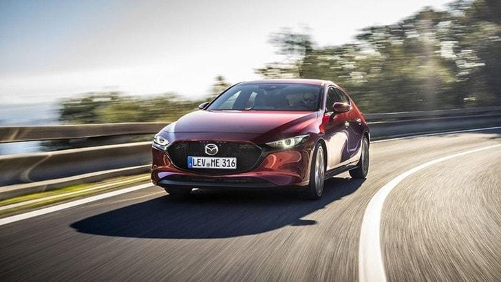 Mazda 3 con Skyactiv-X, il motore benzina che va come un diesel