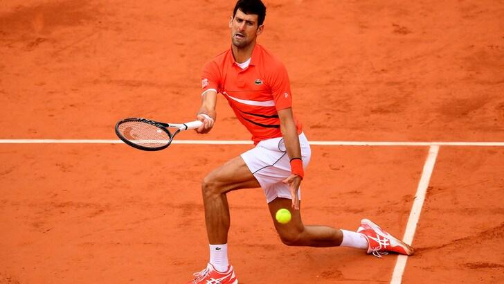Roland Garros, Djokovic-Thiem rimandata per maltempo