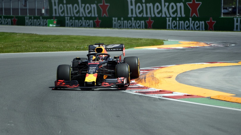 """Verstappen parte male in Canada: """"Dura lottare con Mercedes e Ferrari"""""""