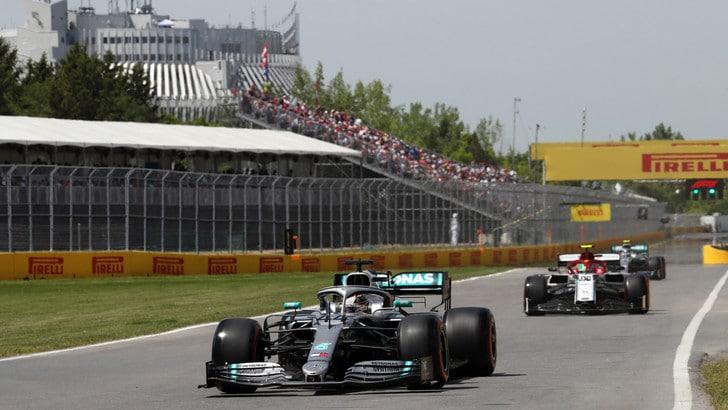 Gp Canada: Problema idraulico per Hamilton, meccanici al lavoro sulla sua Mercedes