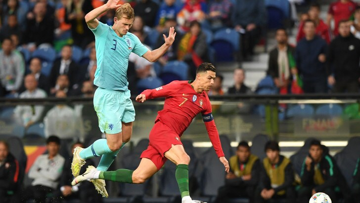 "Juventus, De Ligt: ""Cristiano Ronaldo mi ha chiesto di raggiungerlo"""
