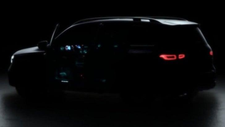 Mercedes GLB, ecco la prima immagine
