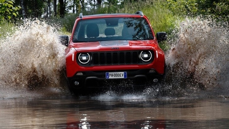 Jeep Renegade, la ibrida plug-in debutta al Parco Valentino di Torino