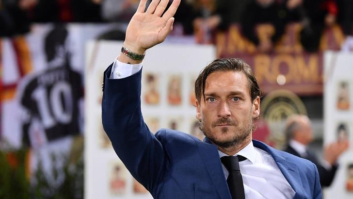 Clamoroso Totti, voci di addio alla Roma!