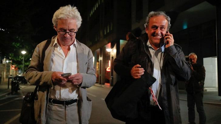 Platini non più in stato di fermo: le foto del rilascio
