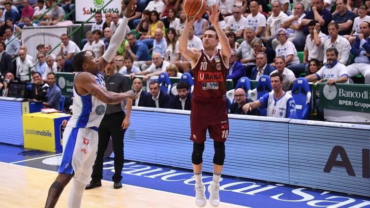 Basket, finale scudetto: Venezia meglio di Sassari, il titolo a 1,67