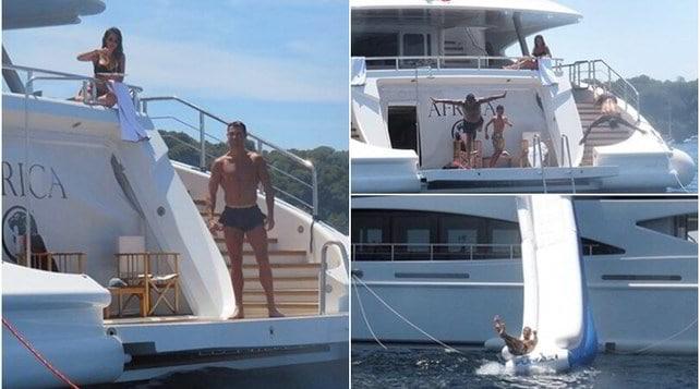 Ronaldo, super vacanza: che tuffi dallo yacht!