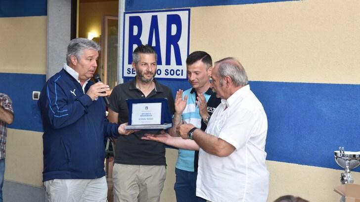 PREMIO / Diploma di benemerenza al dg del Tetti Francesi Rivalta Gianni Rossi