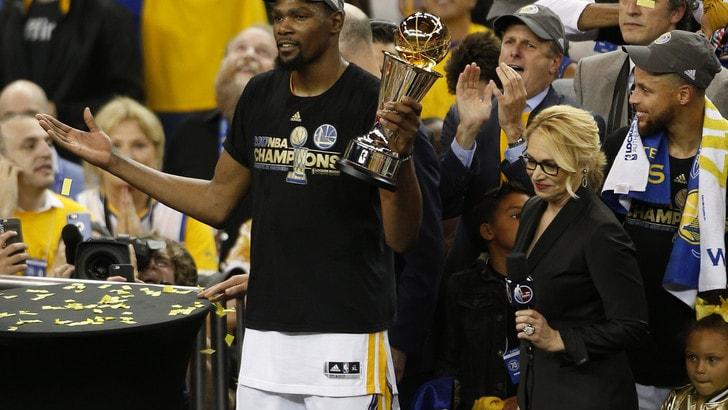 Kevin Durant passa ai Brooklyn Nets: giocherà con Kyrie Irving