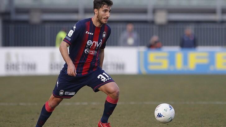 Monza, l'ex Crotone Sampirisi firma fino al 2022