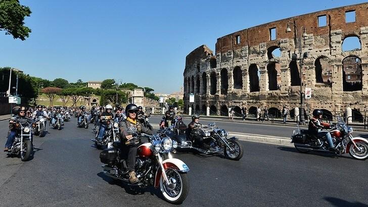 Harley-Davidson porta al raduno di Roma 1.500 bikers