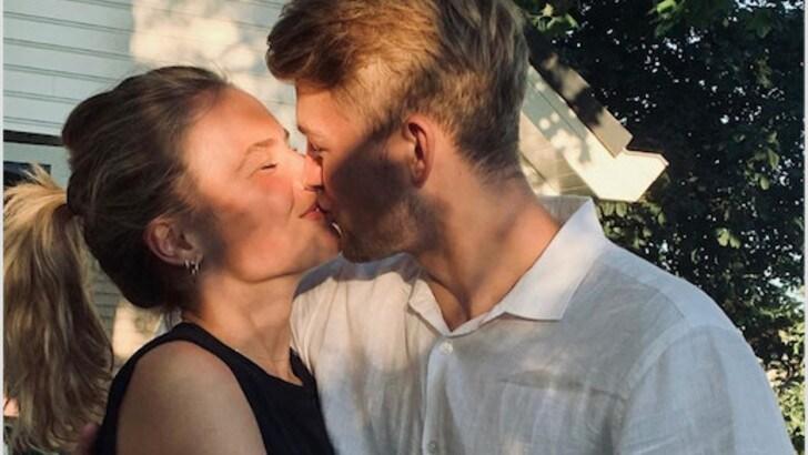 Ajax al lavoro, De Ligt festeggia la giornata del bacio. E la Juventus tratta