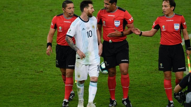 """Il Brasile attacca Messi: """"Non parla degli episodi a suo favore?"""""""