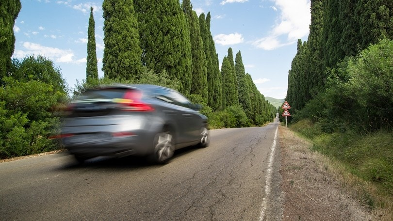 Viaggi in auto: cosa controllare prima di partire