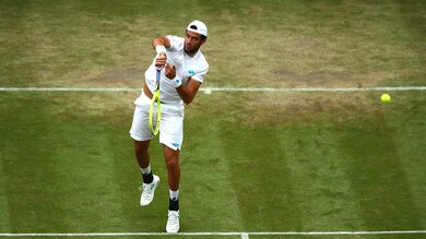 Wimbledon, Federer travolge Berrettini