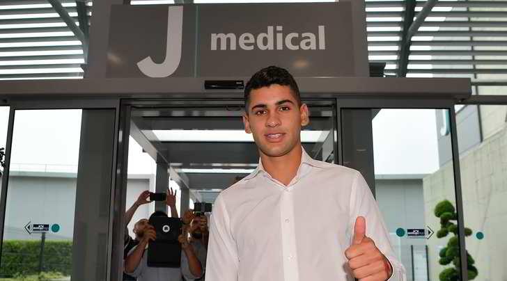Juve, è il giorno di Romero: visite mediche e firma