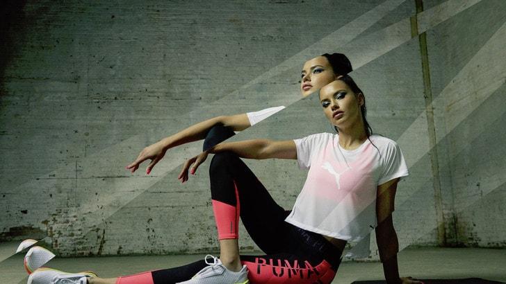 Adriana Lima dalla passerella al ring indossando Puma