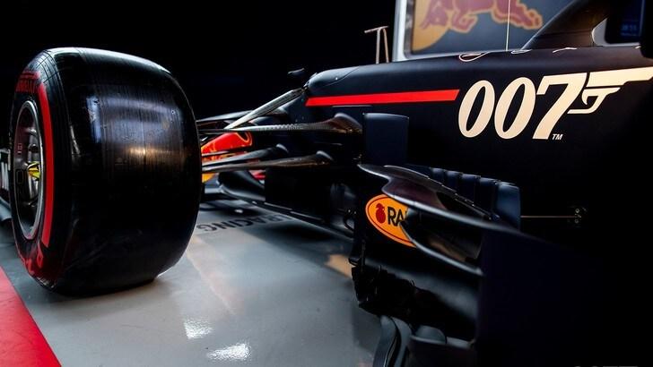 Bond 25 omaggia il circuito di Silverstone