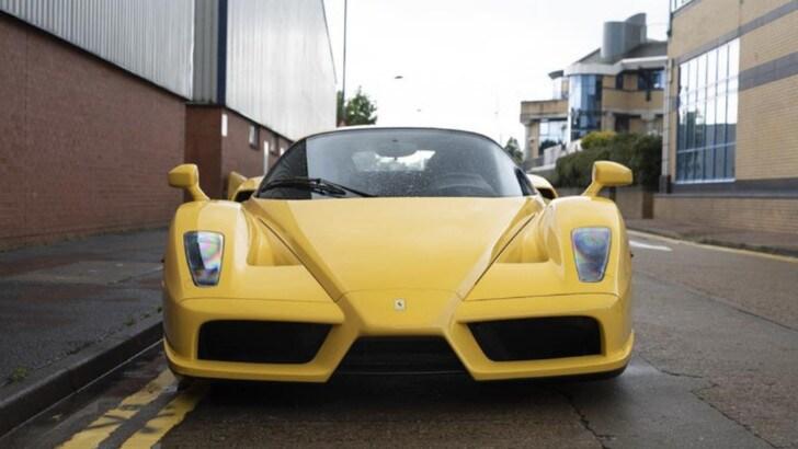 Ferrari Enzo Giallo Modena: in vendita a Londra