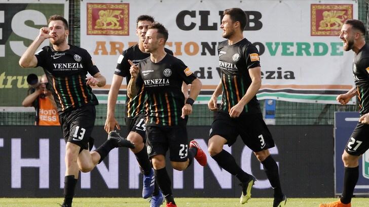 Il Venezia è stato ripescato in Serie B: escluso il Palermo