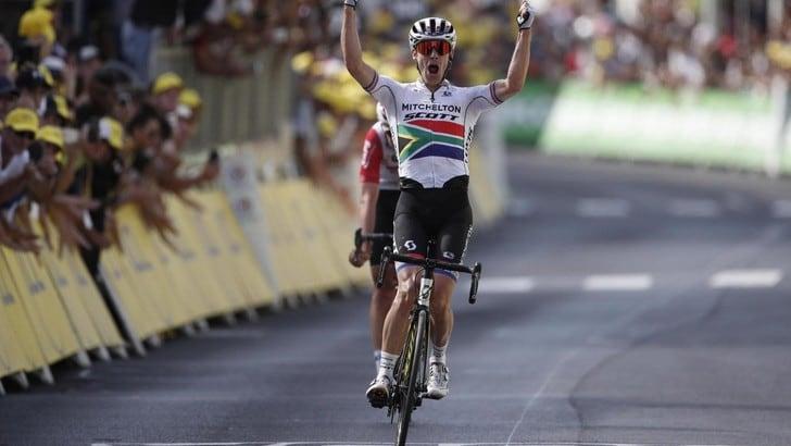Tour, Impey trionfa nella 9ª tappa. Alaphilippe resta leader, Nibali in crisi