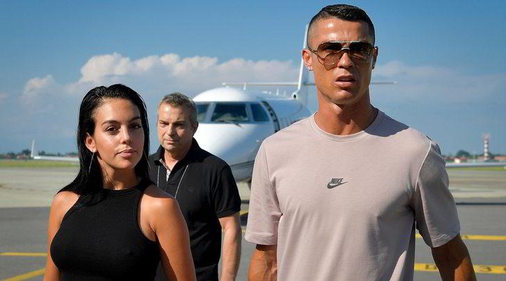 """Novella 2000: """"Cristiano Ronaldo si è sposato, nozze segrete in Marocco"""""""